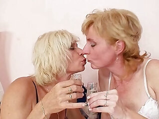 kissing - Blond milfs kissing licking and dildo fucking