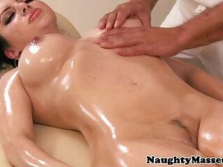 Massage loving brunette in foot fetish