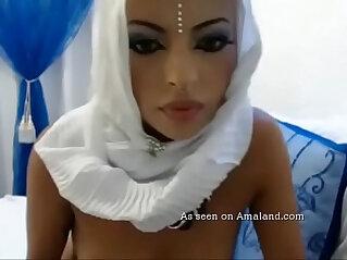 Sexy Arab girl sucking her sex toy