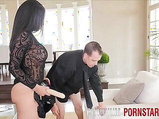 Havana Ginger fucks guy in the ass