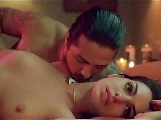 anne hathaway havoc sex in bed