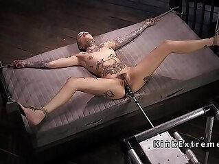 Alt solo hottie fucking machine tied up
