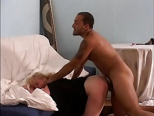 Blonde amateur milf caught a worker sleeping and he fights back abusing of her