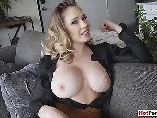 Fucking sexy chubby MILF stepmoms pierced pussy